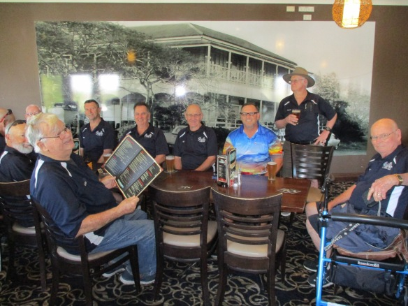 Great Heavens, what a great bunch of blokes at the Gracemere Hotel